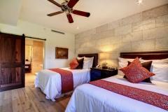 hotel wailea coral bedroom wall